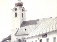 kostel-okolo-r-1900