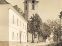 kostel-tricata-leta